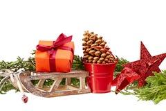 Украшение рождества (подарочная коробка, скелетон звезды, деревянных, ведро металла) I Стоковая Фотография RF