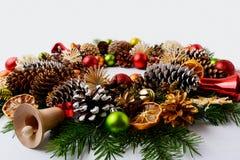 Украшение рождества с стеклянными и деревянными колоколами звона Стоковые Изображения RF