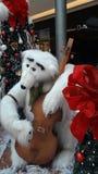 Украшение рождества творческое quitar используя moving куклы Стоковая Фотография RF