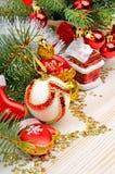 Украшение рождества, хворостина сосны, безделушки рождества Стоковое фото RF