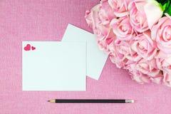 украшение романтичное, valentine& x27 St; концепция дня s, взгляд сверху fla Стоковые Изображения