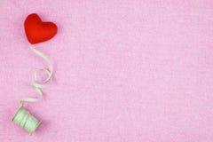 украшение романтичное, valentine& x27 St; концепция дня s, взгляд сверху fla Стоковое Фото