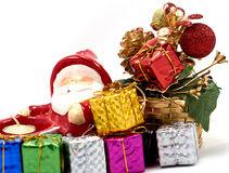 Украшение Санта Клаус с подарочной коробкой стоковые фото