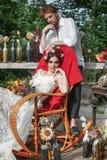 Украшение свадьбы в стиле boho, цветочной композиции, украсило таблицу в саде Стоковые Изображения