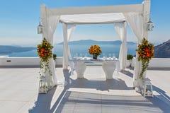 Украшение свадьбы на Santorini, Греции Стоковая Фотография