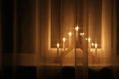 Украшение светов рождества на windowsill Стоковые Изображения