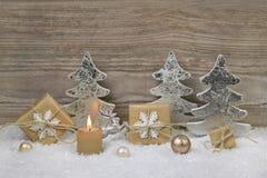 Украшение серебра, золотых, белых и коричневых рождества с одним бушелем Стоковые Изображения