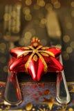 Украшение таблицы рождества с красным bokeh звезды тонизировало селективный f Стоковые Изображения RF