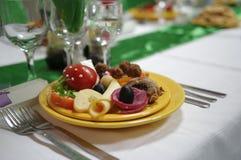 Украшение 2 таблицы еды ресторанного обслуживании установленное Стоковые Изображения RF