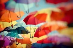 Украшение улицы зонтика предпосылки красочное Стоковая Фотография