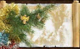 Украшение, ювелирные изделия и гирлянда рождества обрамляют предпосылку концепции орнаменты handbell рождества ветви коробки шари Стоковая Фотография RF