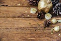 Украшения золота предпосылки рождества деревянные стоковое изображение