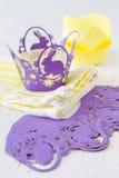 Украшения пирожного с свечами Стоковые Изображения RF