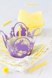 Украшения пирожного с свечами Стоковая Фотография