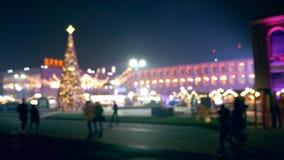Украшения праздника в городской площади сток-видео