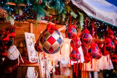 Украшения рождества на альте рождественская ярмарка Адидже Trentino, Италии стоковые изображения rf