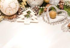 Украшения рождества на белой предпосылке Стоковые Изображения RF