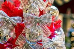 Украшения рождества на ветвях ели Стоковые Фото