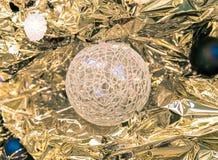 Украшения рождества на ветвях ели Стоковое Фото