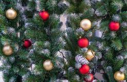 Украшения рождества на елевом дереве стоковая фотография