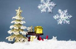 Украшения рождества против предпосылки зимы Стоковые Фотографии RF