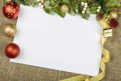 Украшения рождества с бумажной рамкой, взгляд сверху Стоковые Изображения RF