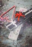 Украшения рождества - pesents и тросточки конфеты, тонизированное ретро Стоковые Изображения