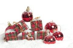 украшения рождества resents снежок Стоковая Фотография