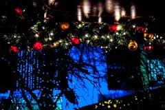 украшения Рождественская ярмарка ` s Эдинбурга, принцы Улица Сад стоковые фотографии rf