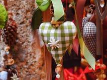 Украшения рождества в окне Стоковые Изображения RF