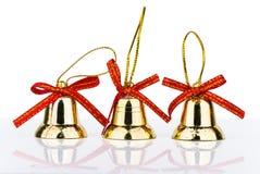 3 украшения рождества золотых колокола с отражением Стоковая Фотография RF
