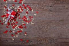 Украшения рождества на деревянной предпосылке с космосом экземпляра для текста Стоковое Фото
