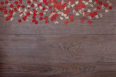 Украшения рождества на деревянной предпосылке с космосом экземпляра для текста Стоковое фото RF