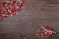 Украшения рождества на деревянной предпосылке с космосом экземпляра для текста Стоковые Фото