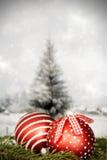 Украшения рождества против предпосылки зимы Стоковое Фото