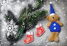 Украшения рождественской елки с снегом Стоковая Фотография RF
