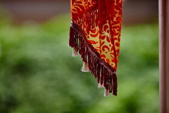 Украшения ткани вися внутри индийского макроса виска Стоковые Изображения RF