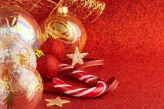 украшения экземпляра рождества фокусируют вал космоса большого орнамента золота красный Стоковое Изображение RF