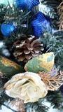 украшения экземпляра рождества фокусируют вал космоса большого орнамента золота красный Стоковые Изображения