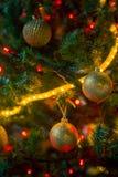 украшения экземпляра рождества фокусируют вал космоса большого орнамента золота красный Стоковое Изображение