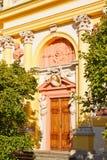 Украшенная дверь дворца Wilanow в Варшаве, Польше Стоковые Изображения RF