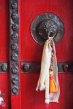 Украшенная дверь с tassel стоковая фотография rf