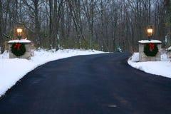 Украшенная подъездная дорога в зиме Стоковое Фото