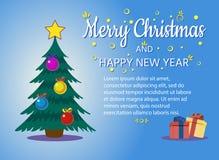 Украшенная рождественская елка с подарочными коробками, звездой, светами, шариками украшения и лампами Новый Год рождества счастл бесплатная иллюстрация