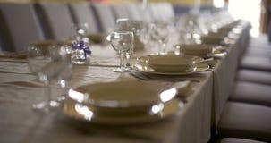 Украшенная таблица для роскоши, элегантного обедающего, предпосылки обедающего Romance сток-видео