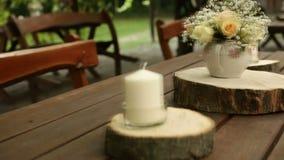 Украшенная таблица для свадьбы сток-видео
