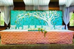 Украшенная wedding таблица для новобрачных Стоковое Изображение