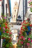 Украшенные цветки, Cordoba улицы Famos, Испания, среднеземноморской Eu стоковые фотографии rf