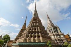 Украшенные chedis на виске Wat Pho в Бангкоке Стоковое Изображение