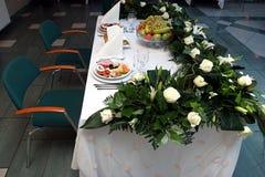 украшенный обеденный стол Стоковые Изображения RF